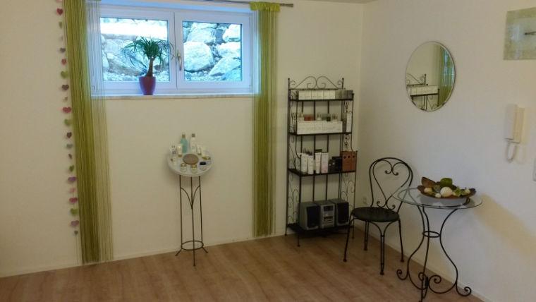 Eingangsbereich des Kosmetikstudios In Balance in Blaichach